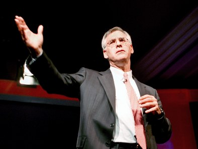 Richard_Danzig_gives_keynote_speech_at_Red_Herring_conference,_October_2000